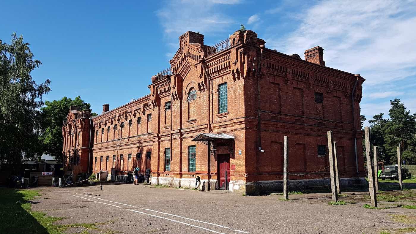 Var fängslad i Lettland